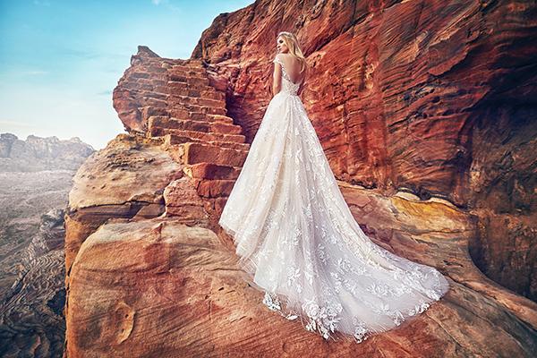 Romantic pieces from Oksana Mukha