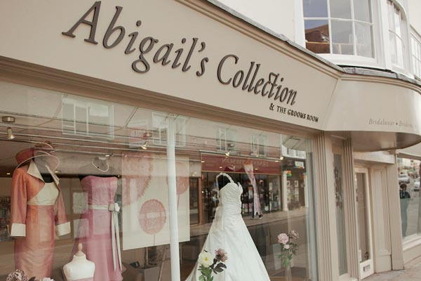 How to Deliver Excellent Customer Service in Your Bridal Boutique