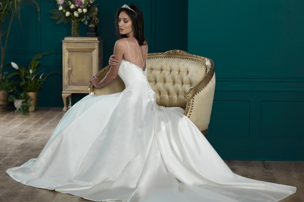 Confirmed for White Gallery: Nicola Anne Bridal